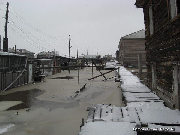 http://goroda-prizraki.narod.ru/nizhneyansk/002.jpg